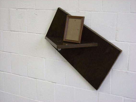 Arseny Zhilyaev, « Constructivisme précaire », Formica, dimensions variables, 2009