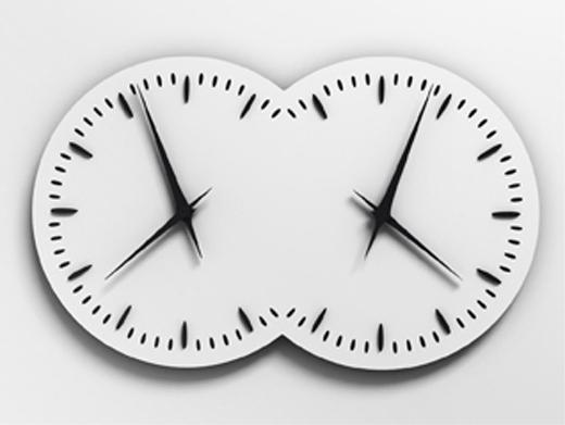 Les Inséparables, 2000-2010. Horloge, 67 x 120 x 15 cm. Œuvre produite par la Manufacture Jaeger-LeCoultre, partenaire privilégié de l'exposition. © Esther Shalev-Gerz, ADAGP, Paris 2010