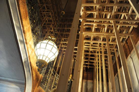 Les Frères Chapuisat, Cage d'escalier, 2010, bois