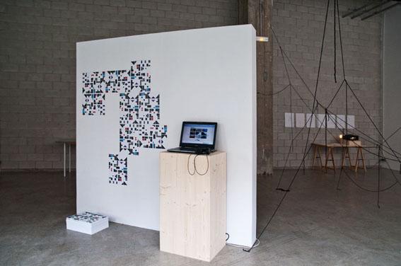 Vue de l'exposition Nous ne notons pas les fleurs, dit le géographe, Bétonsalon - Centre d'art et de recherche