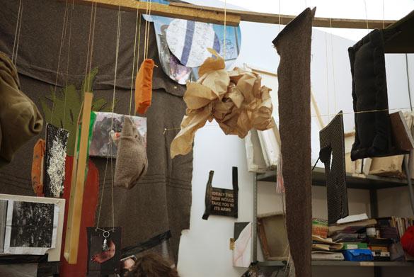 Laure Prouvost The Artist, 2010. Installation vidéo / Video installation. Courtesy Laure Prouvost ; MOT International.