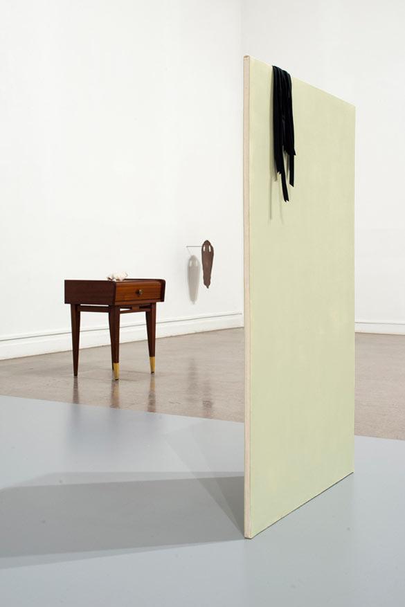 Emilie Pitoiset, Vue de son exposition / View of her solo exhibition, « Les actions silencieuses », Frac Champagne-Ardenne, 2013.