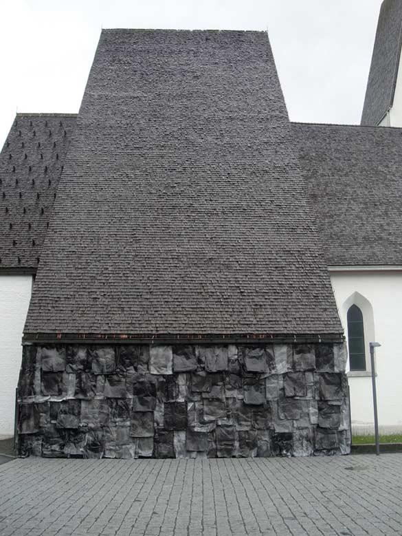 Jurgen Ots, Emulating Echo, 2010. Installation, papier architecte A2, encre noire, agrafes / Architectural paper A2, black ink, staples. Courtesy Jurgen Ots; Elisa Platteau.
