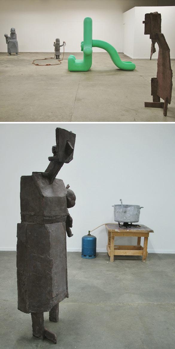 """Sven't Jolle, """"Mères austères - Austerity mums"""", vue d'exposition, crédit photo: Sven't Jolle"""