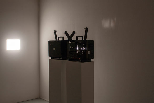 David Lamelas. Projection, 1967. 2 projecteurs 16mm / Two 16mm projectors. Collection 49 Nord 6 Est - Frac Lorraine. Vue de l'exposition / Exhibition view of On the Moon, Frac Lorraine. Photo : Eric Chenal.