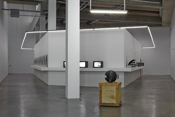 Vue de l'exposition, Légende : Vue de l'exposition de Marie Reinert, défense Yokohama, septembre 2014- février 2015 © JC Lett.