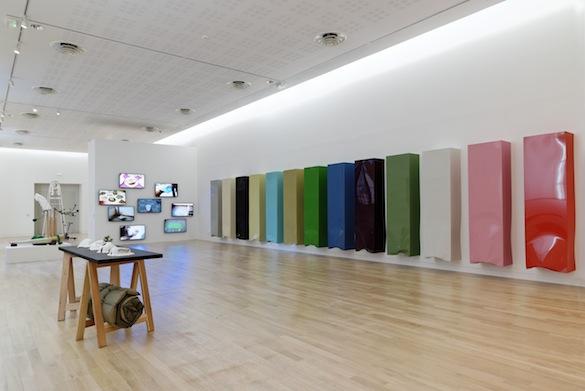 Vue de l'exposition Le droit à la paresse, Musée des beaux-arts de Rennes © Aurélien Mole pour PLAY TIME, 2014