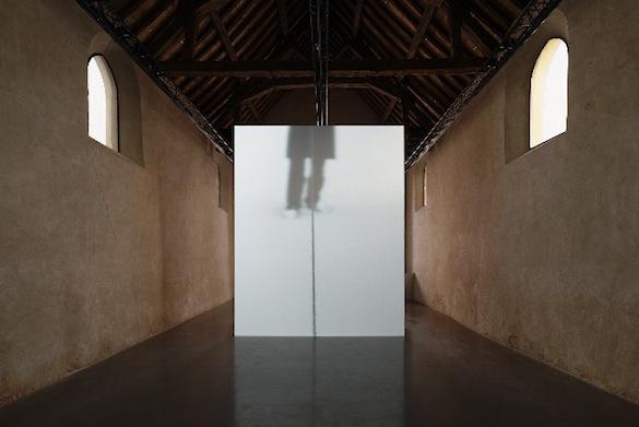"""Ismaïl Bahri, vues de l'exposition """"Sondes"""" les églises centre d'art contemporain de la Ville de Chelles, 2014. © Aurélien Mole."""
