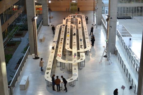 LeRollingClub : Objets d'art, de design et singuliers. Présentés par Florence Ostende et Jean-Luc Moulène. Le Plateau, Lyon, Biennale Internationale Design Saint-Etienne, 2015. Photo : Camille Bouaud / Jean-Luc Moulène