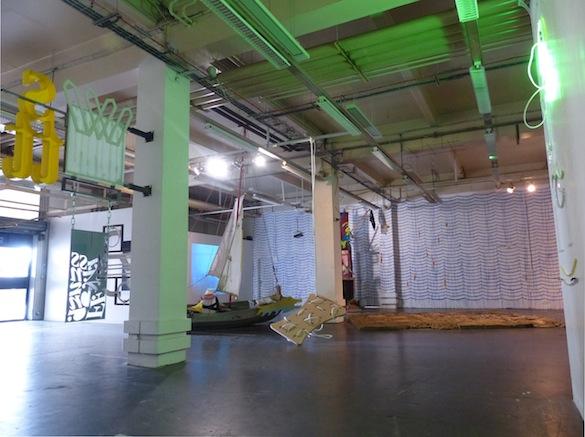 Vue de l'exposition BIVOUAC, après naufrage, 2015, Fabrique Pola/Polarium, Bordeaux.