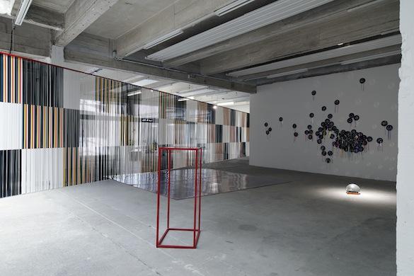 Cécile Paris, Conduire, danser et filmer - Passerelle Centre d'art contemporain, Brest © photo : Aurélien Mole, 2015