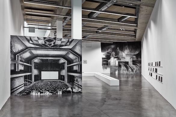 """Vue de l'exposition """"Cinérama"""" de Marc Bauer, (plateau 1), Frac Provence-Alpes-Côte-d'Azur, 2015. Photo: JC Lett."""
