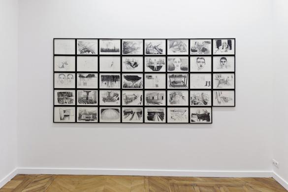 """Vue de l'exposition """"Cinérama"""" de Marc Bauer, Frac Auvergne, 2014."""