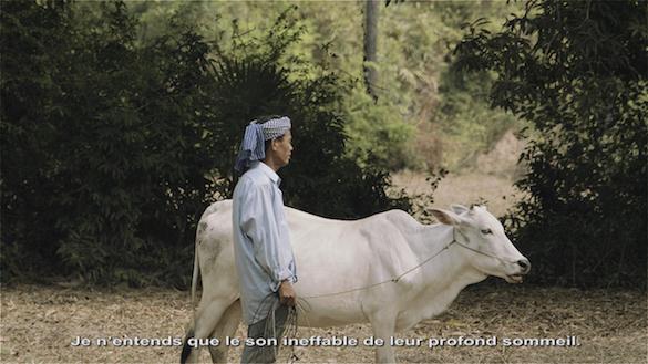 Vandy Rattana, MONOLOGUE, 2015. Vidéo HD, 16/9 couleur, son / HD Video, color, sound, 18'55. Co-production : Jeu de Paume, Paris; Fondation Nationale des Arts Graphiques et Plastiques ; CAPC musée d'art contemporain de Bordeaux. Courtesy Vandy Rattana © Vandy Rattana, 2015.