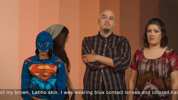 Sylvie Blocher, Living Pictures / Skintone, 2014 Installation vidéo HD , 49 min 35 sec Filmée avec des habitants de la communauté latino de San Antonio au Texas Courtesy de l'artiste