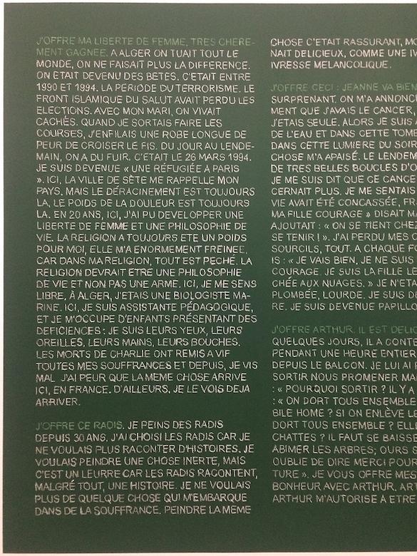 """Sylvie Blocher, Exposition """"S'inventer autrement"""", CRAC Sète QU'OFFREZ-VOUS ?, 2015, peinture pour tableau d'école, dessins à la craie, réalisé avec les paroles et les mots des participants, habitants de la ville de Sète et de la Région Languedoc-Roussillon Photographie Sylvie Blocher"""