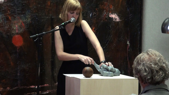 Hedwig Houben, Six Possibilities for a Sculpture II, Ostende, 2010. Video still. Courtesy Galerie Fons Welters, Amsterdam