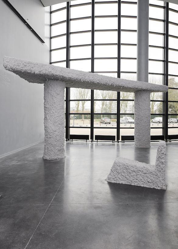 Nicolas Momein, everyone is light you are light. Vue de l'exposition à Micro-Onde. Photo : Aurélien Mole.