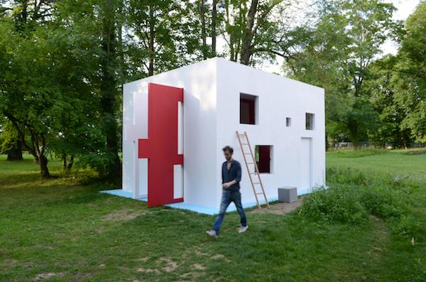 Jean-Pascal Flavien, breathing house, 2012. Pougues-les-Eaux.